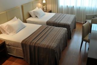 HOTEL PRESIDENTE - Aire acondiconado split inverter calefacción climatización radiadores calderas carrier midea