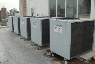 MATERNIDAD OROÑO - Aire acondiconado split inverter calefacción climatización radiadores calderas carrier midea